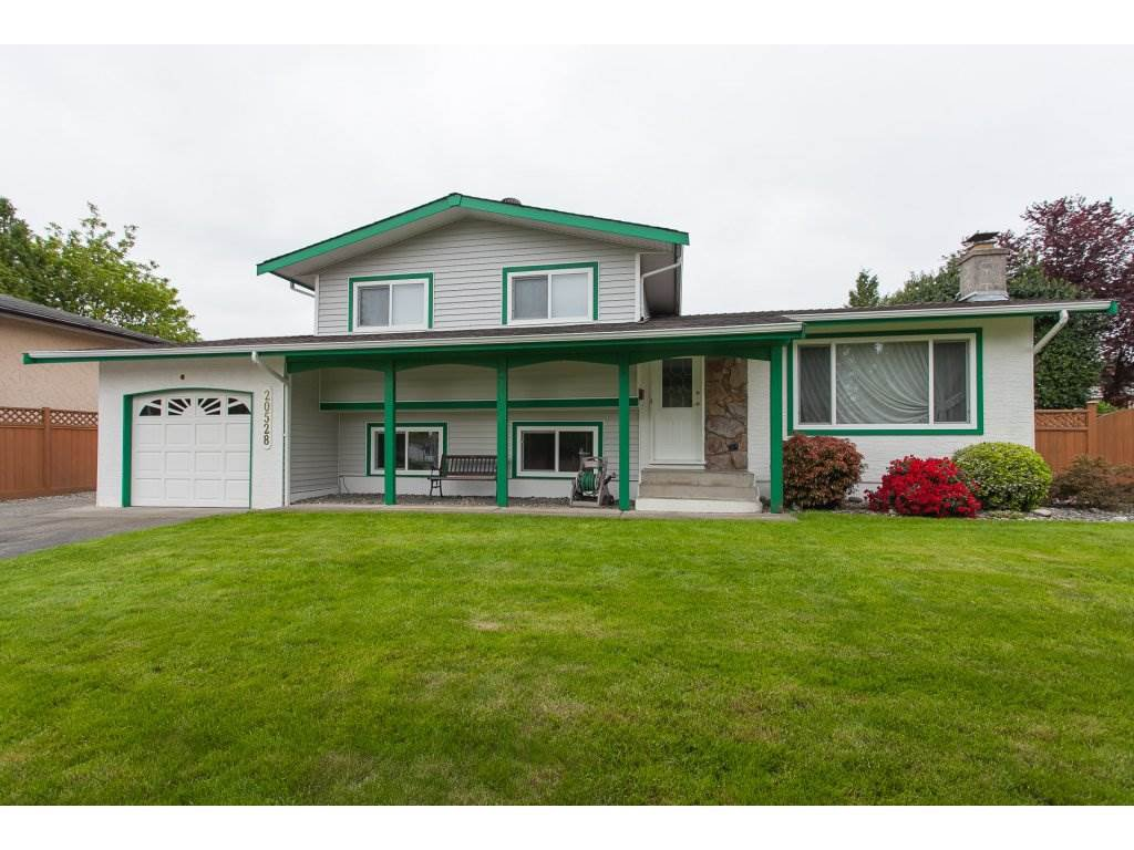 Main Photo: 20528 49 Avenue in Langley: Langley City House for sale : MLS®# R2264006