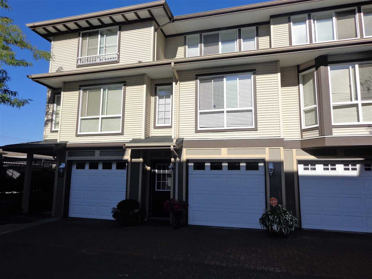 "Main Photo: 30 8778 159 Street in Surrey: Fleetwood Tynehead Townhouse for sale in ""AMBERSTONE"" : MLS®# R2295554"