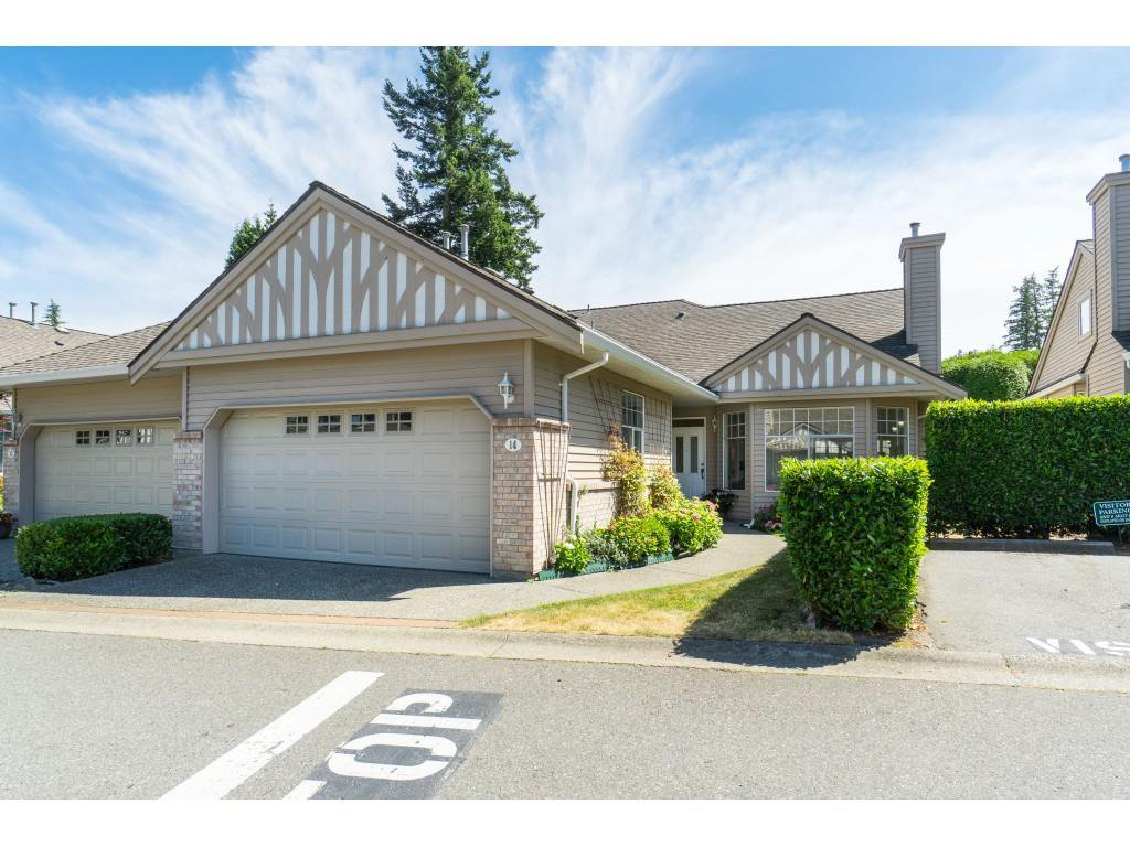 """Main Photo: 14 2533 152 Street in Surrey: Sunnyside Park Surrey Townhouse for sale in """"Bishops Green"""" (South Surrey White Rock)  : MLS®# R2382286"""
