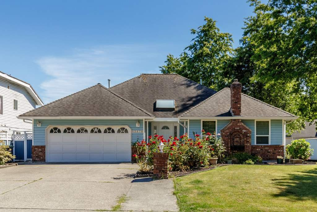 Main Photo: 13678 91 Avenue in Surrey: Bear Creek Green Timbers House for sale : MLS®# R2384528
