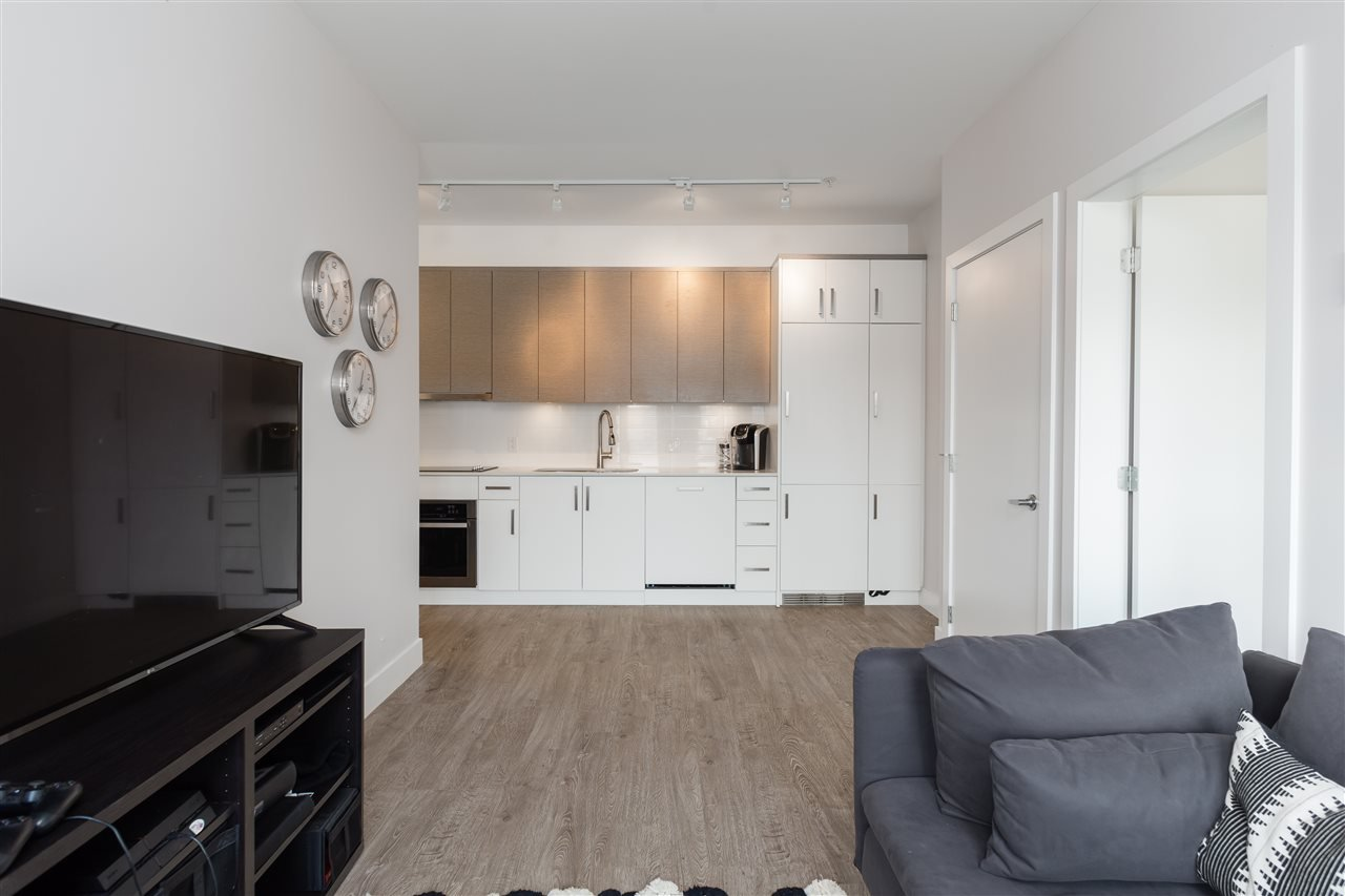Photo 7: Photos: 503 809 FOURTH AVENUE in New Westminster: Uptown NW Condo for sale : MLS®# R2370878