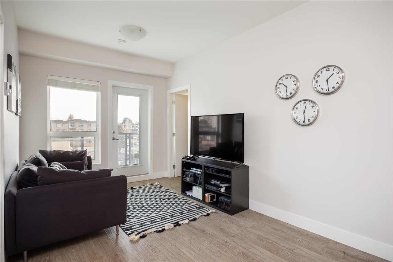 Photo 4: Photos: 503 809 FOURTH AVENUE in New Westminster: Uptown NW Condo for sale : MLS®# R2370878