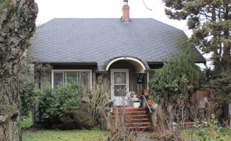 Main Photo: 1381 E 20TH Avenue in Vancouver: Knight House for sale (Vancouver East)  : MLS®# R2476699