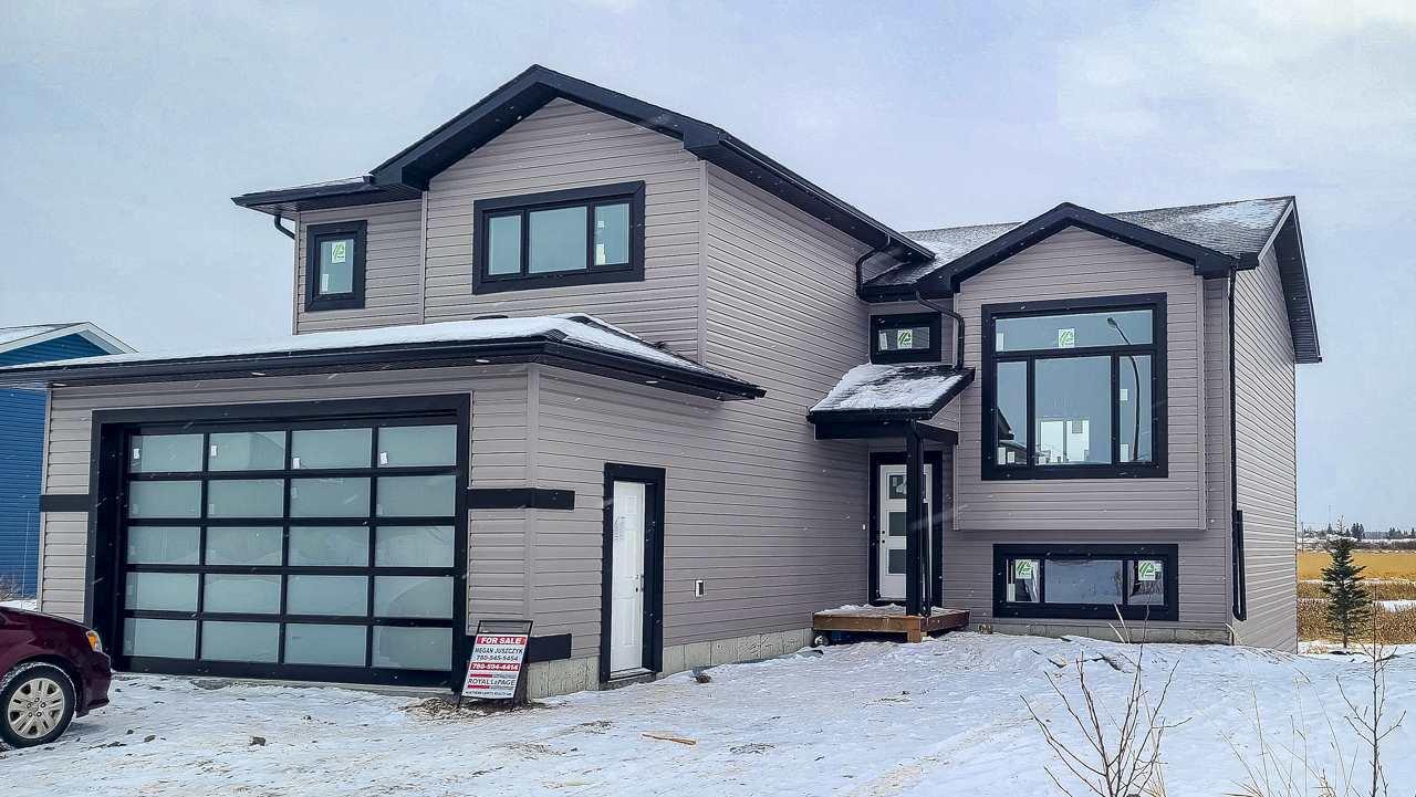 Main Photo: 4931 57 Avenue: Cold Lake House for sale : MLS®# E4212142