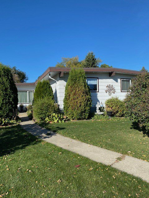 Main Photo: 3908 104 Street in Edmonton: Zone 16 House for sale : MLS®# E4216440