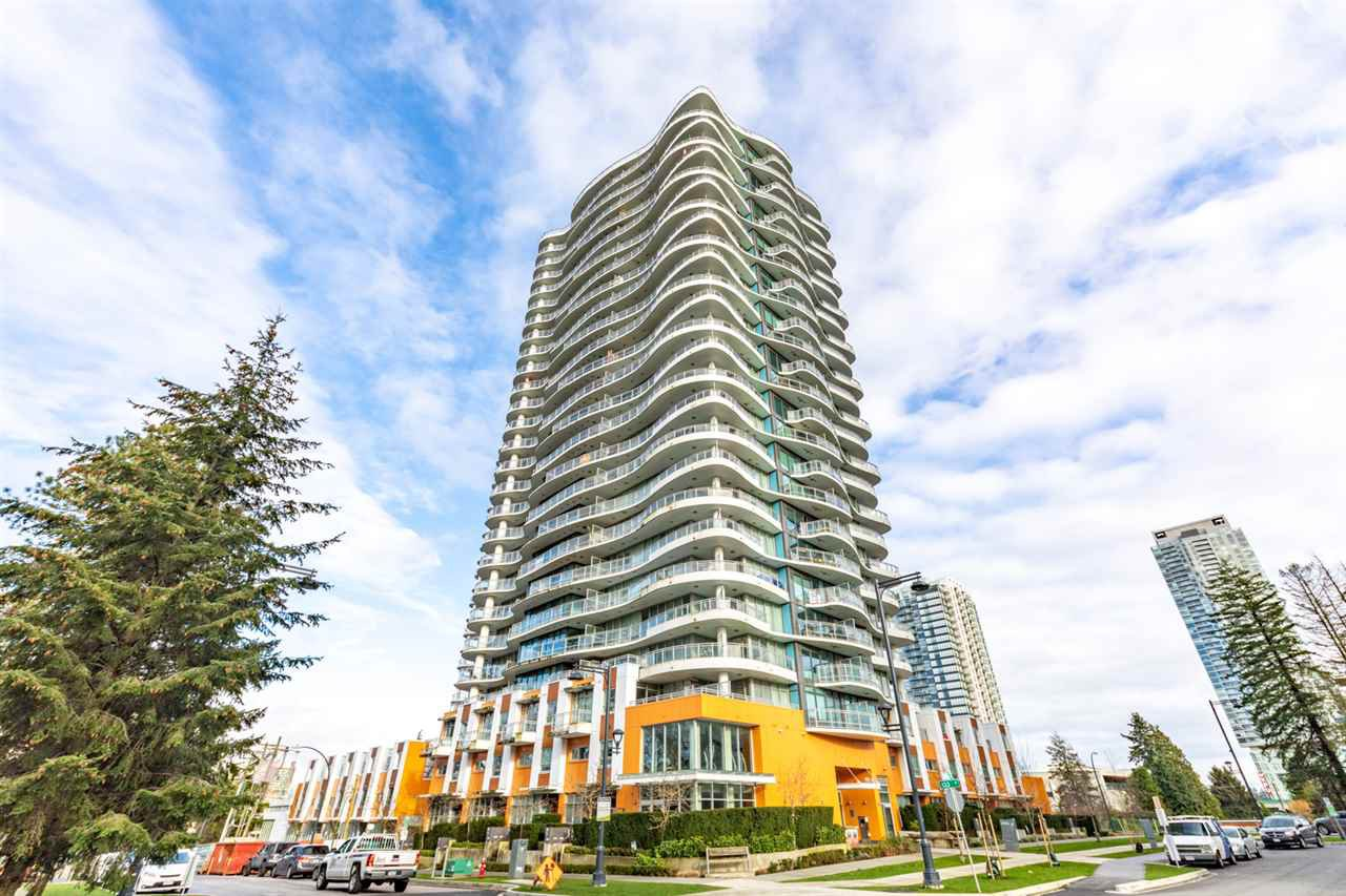 """Main Photo: 1802 13303 CENTRAL Avenue in Surrey: Whalley Condo for sale in """"THE WAVE"""" (North Surrey)  : MLS®# R2525575"""