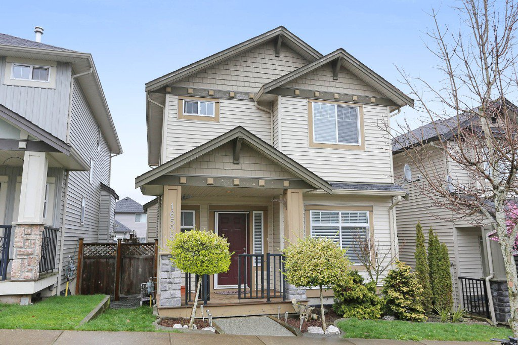 Main Photo: 16525 59A Avenue in Surrey: Cloverdale BC House for sale (Cloverdale)  : MLS®# R2043630