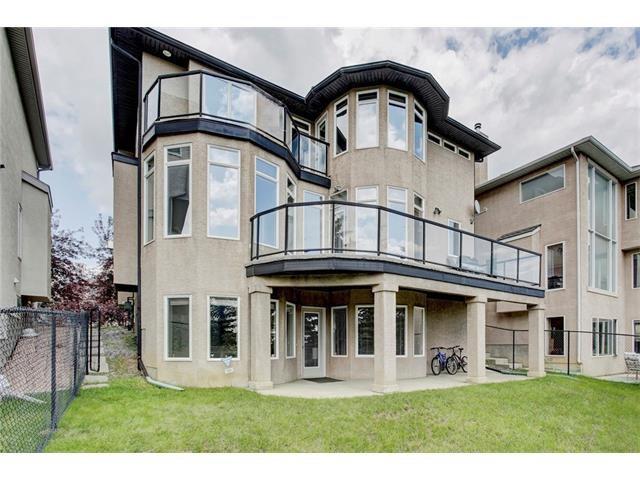 Main Photo: 33 PANORAMA HILLS Manor NW in Calgary: Panorama Hills House for sale : MLS®# C4072457