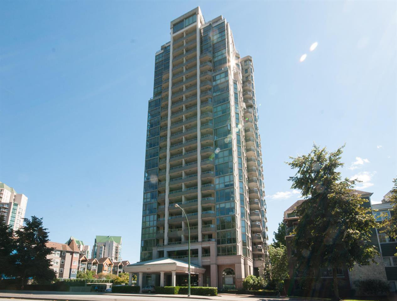 """Main Photo: 1506 3070 GUILDFORD Way in Coquitlam: North Coquitlam Condo for sale in """"LAKESIDE TERRACE"""" : MLS®# R2097115"""