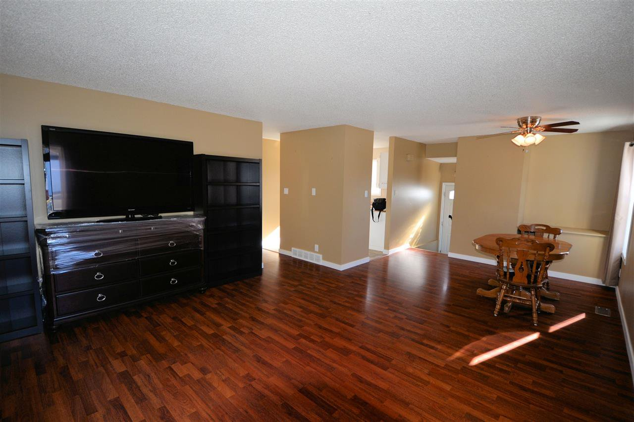 "Photo 4: Photos: 6980 GLADSTONE Drive in Prince George: Lower College House 1/2 Duplex for sale in ""LOWER COLLEGE"" (PG City South (Zone 74))  : MLS®# R2147941"