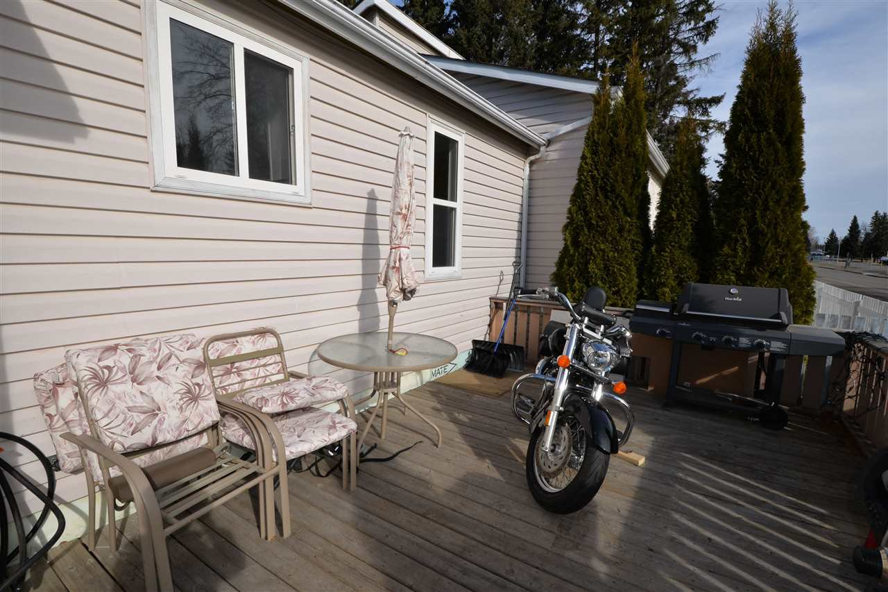 "Photo 16: Photos: 6980 GLADSTONE Drive in Prince George: Lower College House 1/2 Duplex for sale in ""LOWER COLLEGE"" (PG City South (Zone 74))  : MLS®# R2147941"