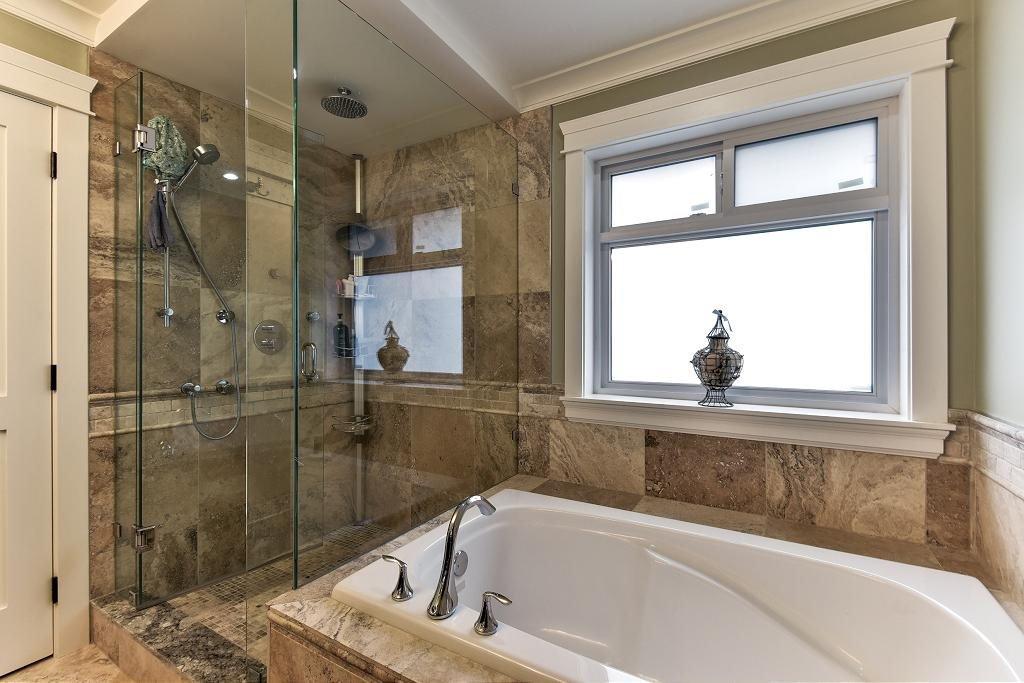 Photo 14: Photos: 8383 167 Street in Surrey: Fleetwood Tynehead House for sale : MLS®# R2147955