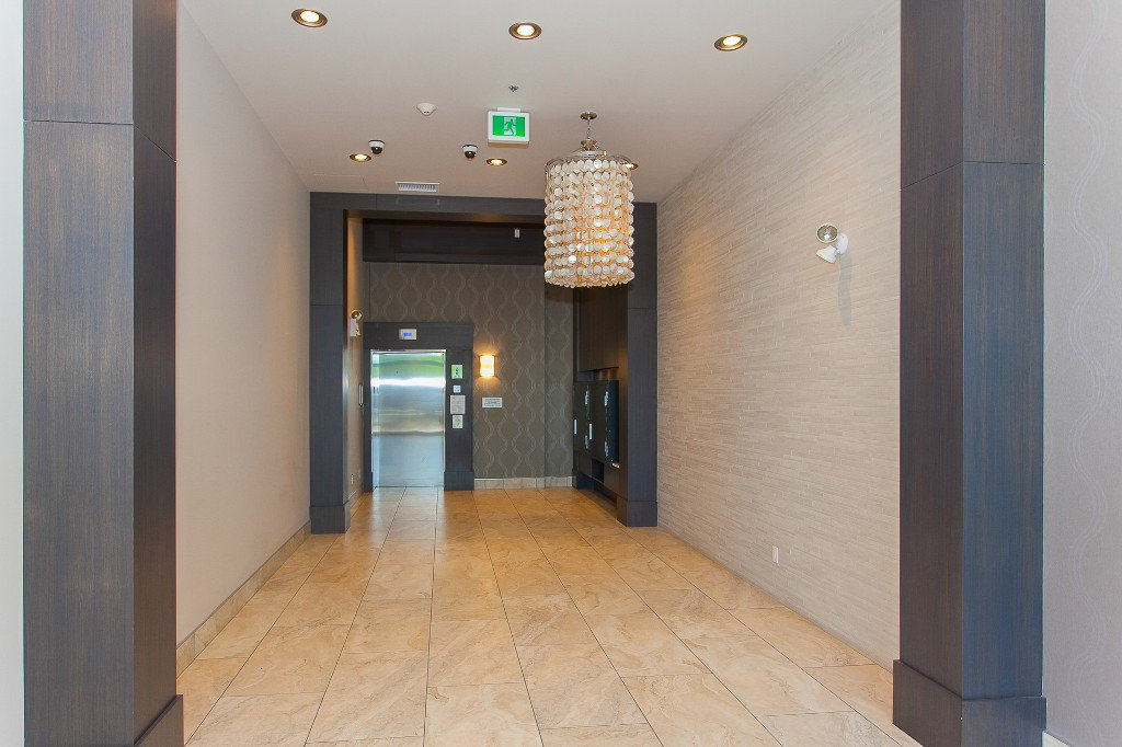 """Photo 19: Photos: 223 20728 WILLOUGHBY TOWN CENTRE Drive in Langley: Willoughby Heights Condo for sale in """"KENSINGTON AT WILLOUGHBY TOWN CENTER"""" : MLS®# R2169446"""