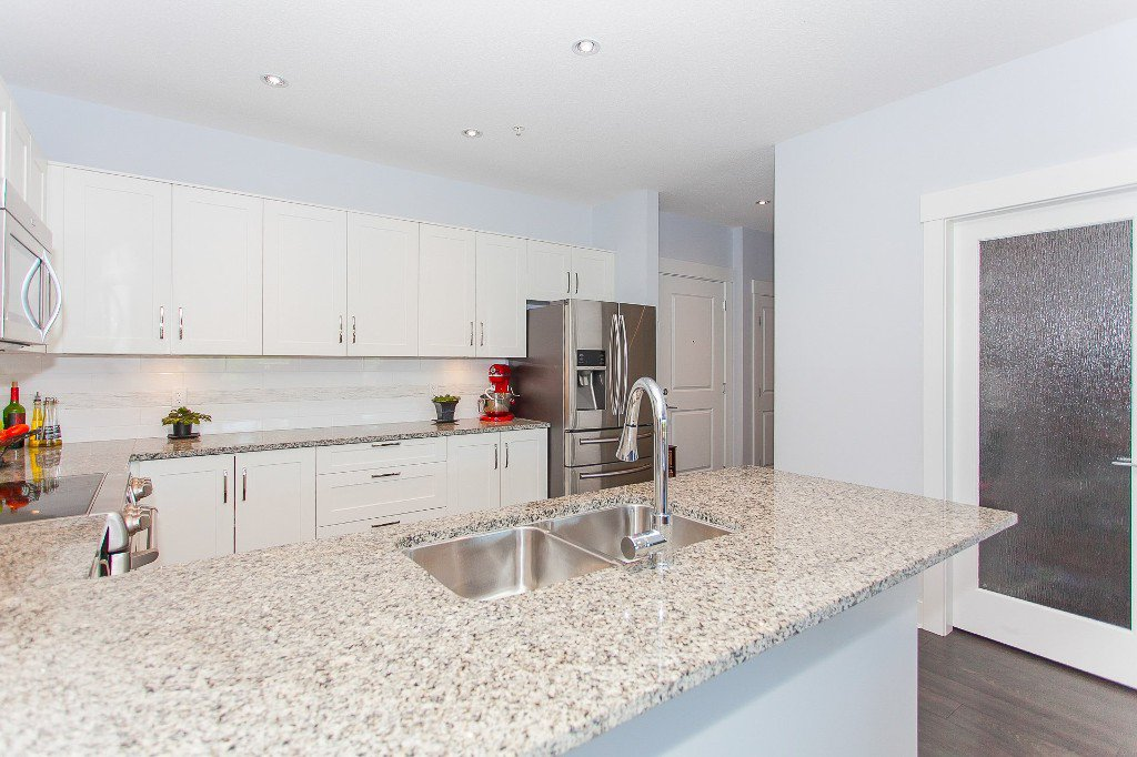 """Photo 7: Photos: 223 20728 WILLOUGHBY TOWN CENTRE Drive in Langley: Willoughby Heights Condo for sale in """"KENSINGTON AT WILLOUGHBY TOWN CENTER"""" : MLS®# R2169446"""