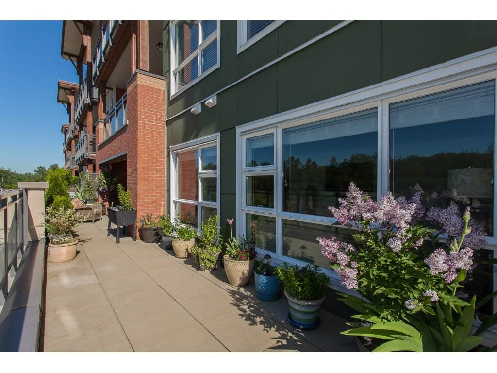 """Photo 21: Photos: 223 20728 WILLOUGHBY TOWN CENTRE Drive in Langley: Willoughby Heights Condo for sale in """"KENSINGTON AT WILLOUGHBY TOWN CENTER"""" : MLS®# R2169446"""