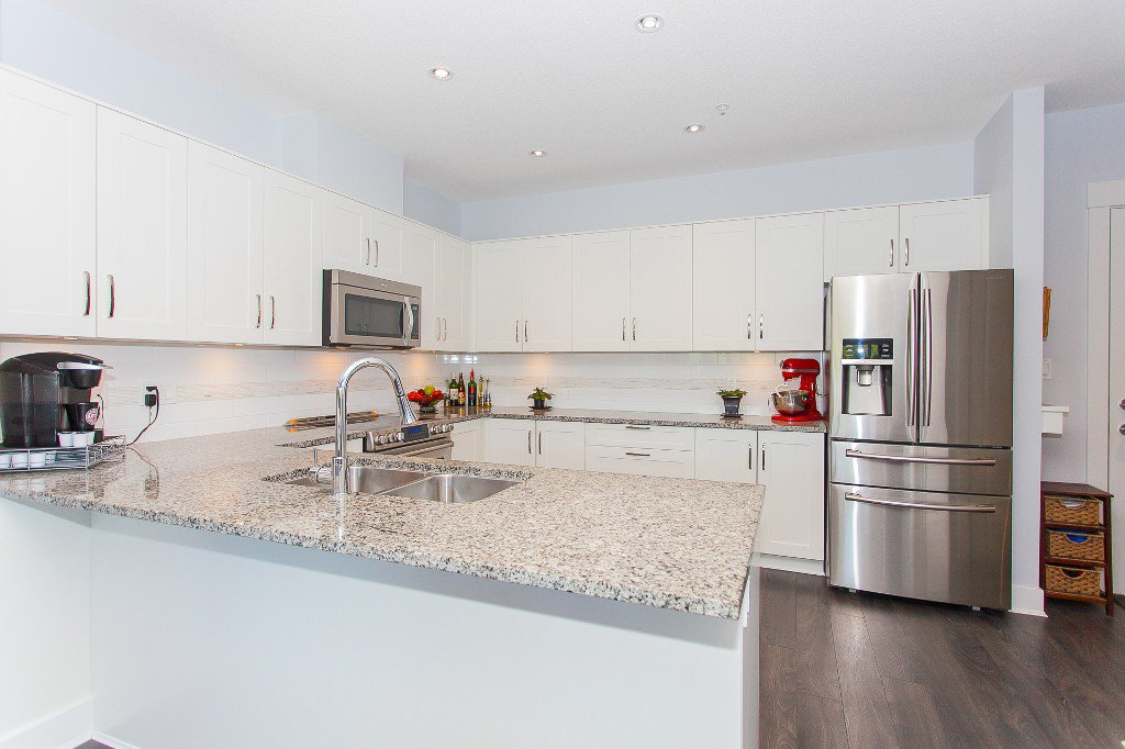 """Photo 4: Photos: 223 20728 WILLOUGHBY TOWN CENTRE Drive in Langley: Willoughby Heights Condo for sale in """"KENSINGTON AT WILLOUGHBY TOWN CENTER"""" : MLS®# R2169446"""