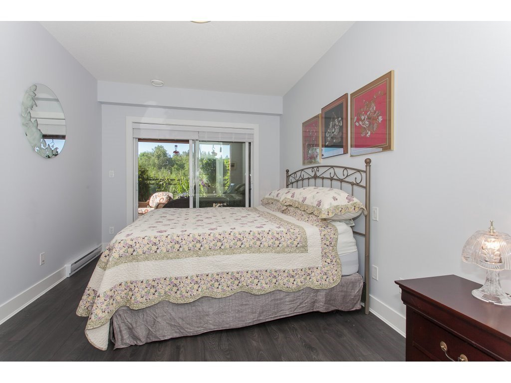"""Photo 13: Photos: 223 20728 WILLOUGHBY TOWN CENTRE Drive in Langley: Willoughby Heights Condo for sale in """"KENSINGTON AT WILLOUGHBY TOWN CENTER"""" : MLS®# R2169446"""