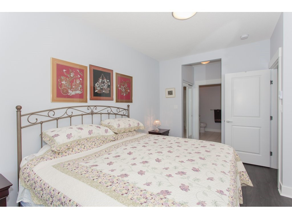 """Photo 12: Photos: 223 20728 WILLOUGHBY TOWN CENTRE Drive in Langley: Willoughby Heights Condo for sale in """"KENSINGTON AT WILLOUGHBY TOWN CENTER"""" : MLS®# R2169446"""