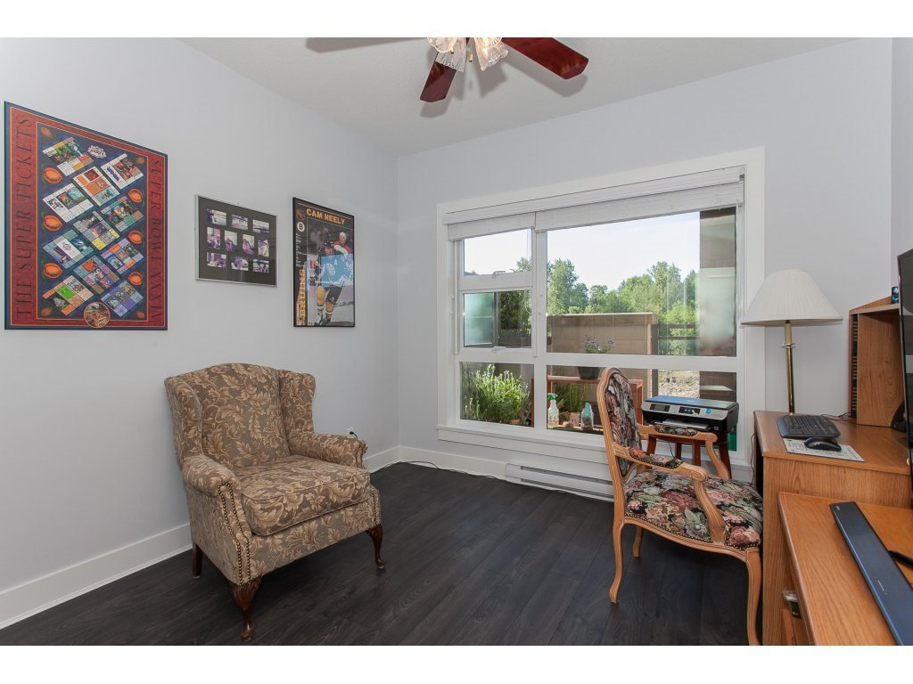 """Photo 15: Photos: 223 20728 WILLOUGHBY TOWN CENTRE Drive in Langley: Willoughby Heights Condo for sale in """"KENSINGTON AT WILLOUGHBY TOWN CENTER"""" : MLS®# R2169446"""