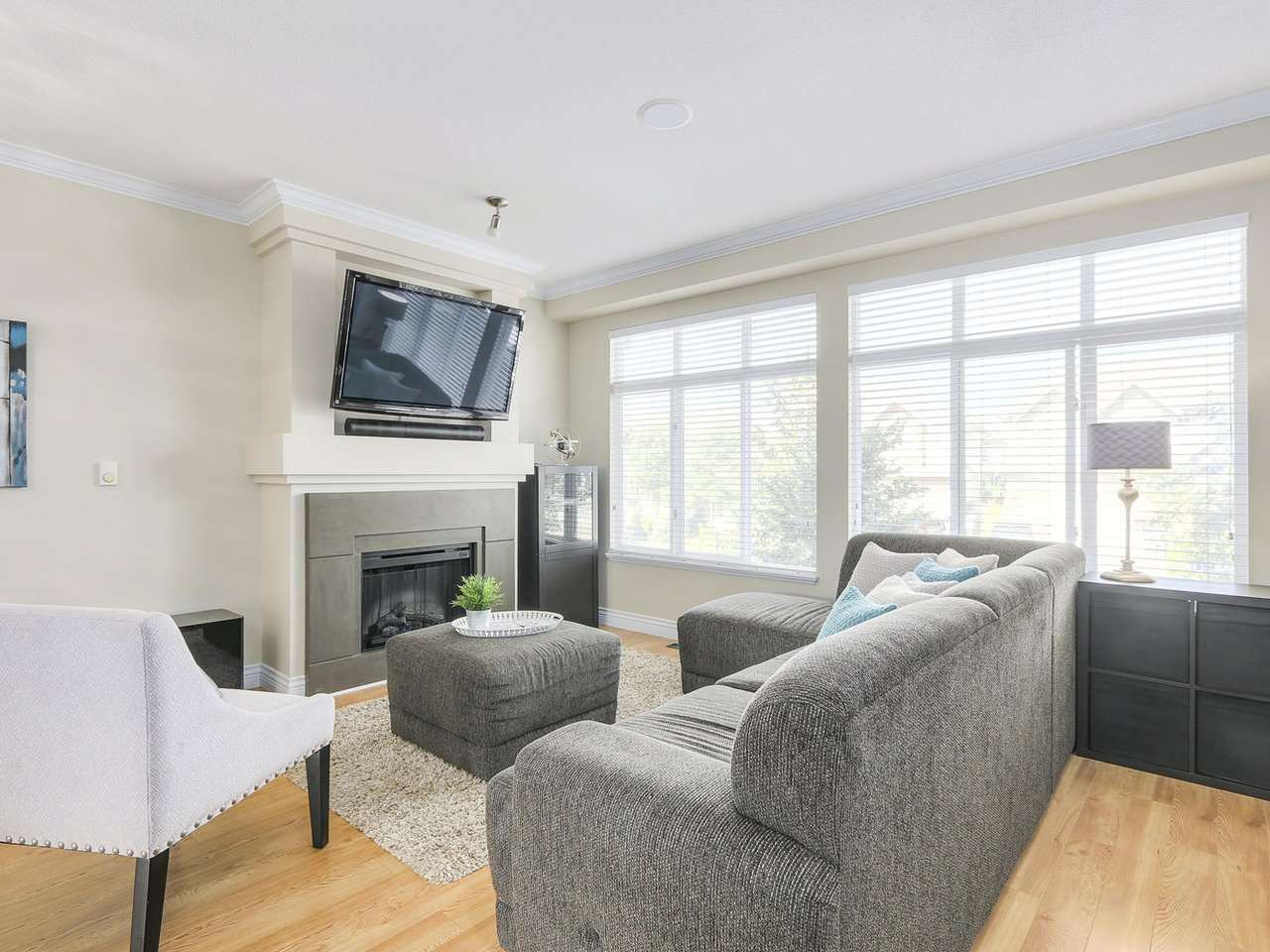 Photo 3: Photos: 43 19330 69 AVENUE in Surrey: Clayton Townhouse for sale (Cloverdale)  : MLS®# R2185704