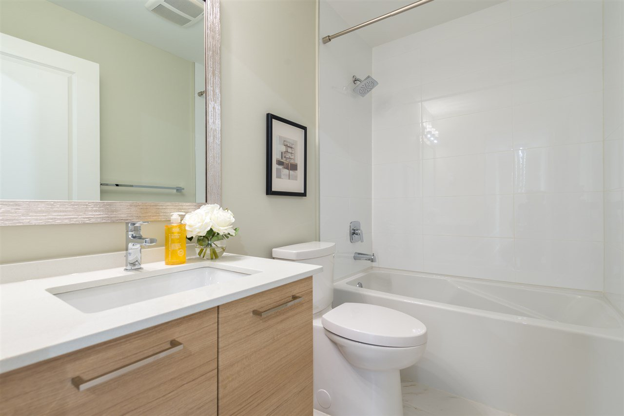 """Photo 17: Photos: 6 6511 NO 2 Road in Richmond: Riverdale RI Townhouse for sale in """"OVAL GARDENS"""" : MLS®# R2191398"""