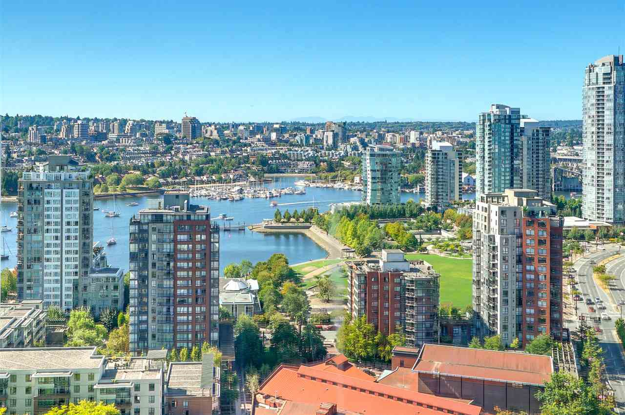 "Main Photo: 3201 198 AQUARIUS Mews in Vancouver: Yaletown Condo for sale in ""AQUARIUS II"" (Vancouver West)  : MLS®# R2202359"