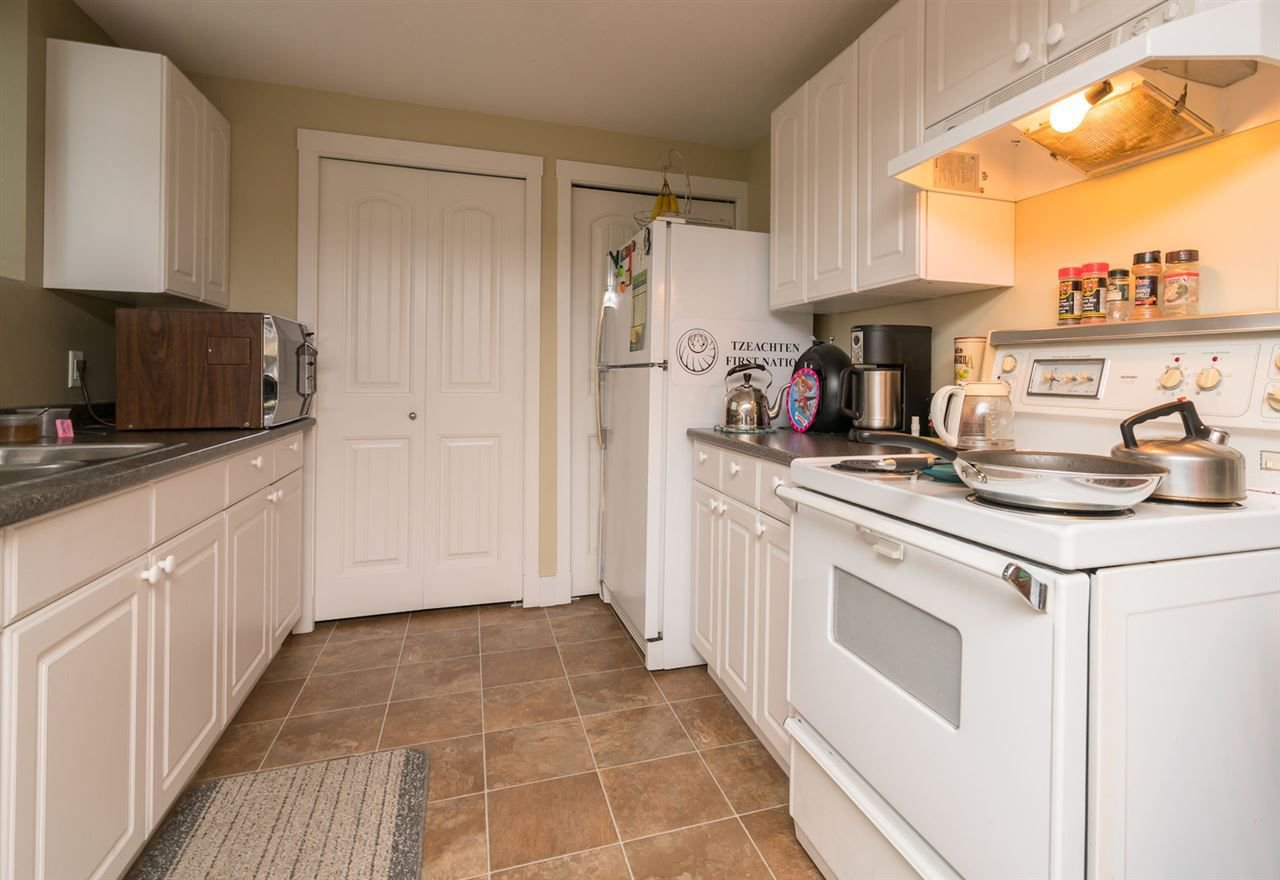 "Photo 18: Photos: 324 SPRUCE Street: Cultus Lake House for sale in ""CULTUS LAKE MUNICIPAL PARK"" : MLS®# R2213053"
