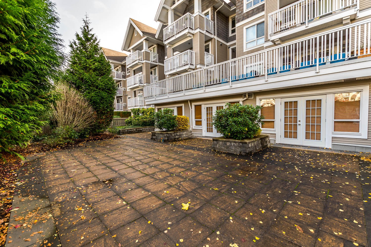 Photo 27: Photos: #408 20750 Duncan Way: Langley City Condo for sale (Langley)  : MLS®# R2221641