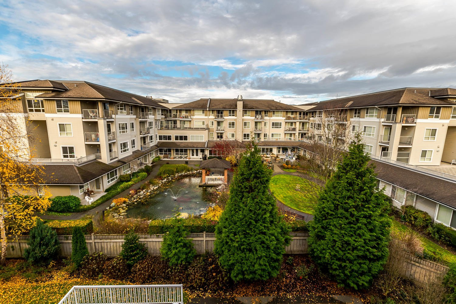 Photo 21: Photos: #408 20750 Duncan Way: Langley City Condo for sale (Langley)  : MLS®# R2221641