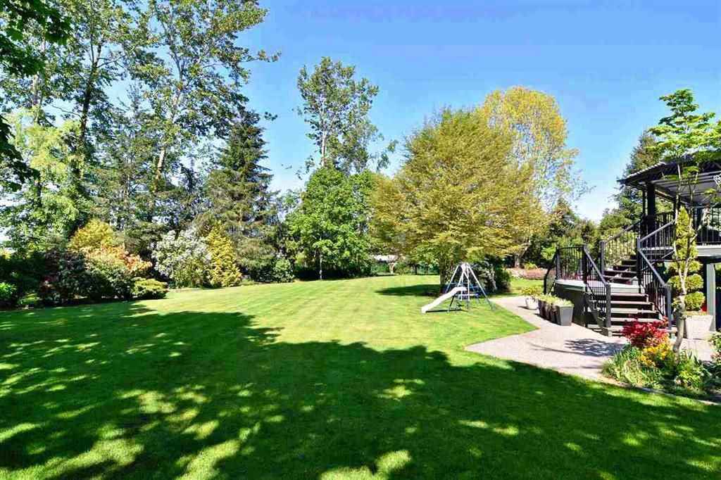 Main Photo: 17908 67 Avenue in Surrey: Cloverdale BC House for sale (Cloverdale)  : MLS®# R2238052