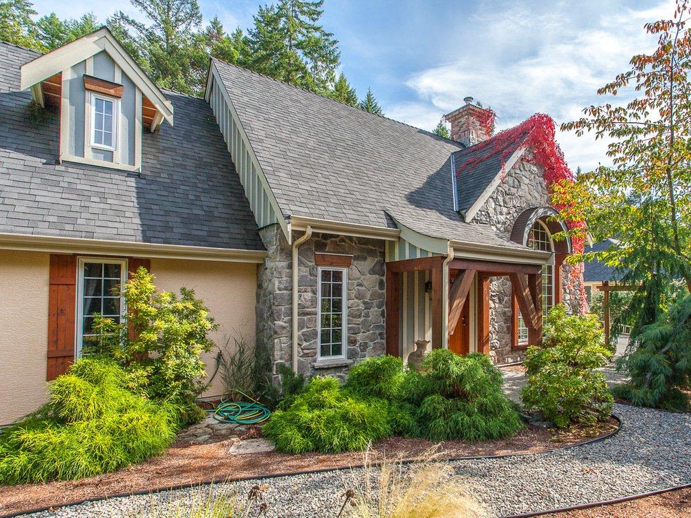 Main Photo: 2352 Bonnington Dr in Fairwinds: House for sale : MLS®# 382448