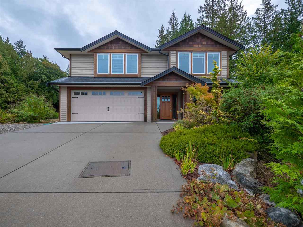 "Main Photo: 4995 BAY Road in Sechelt: Sechelt District House for sale in ""Davis Bay"" (Sunshine Coast)  : MLS®# R2304196"