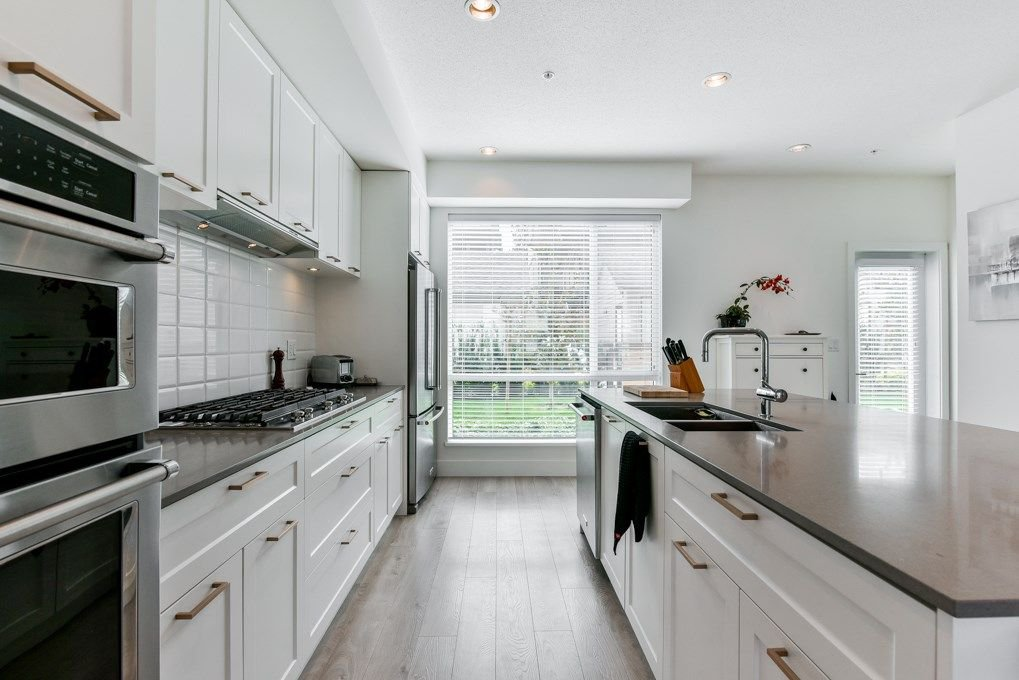 """Main Photo: 4 2825 159 Street in Surrey: Grandview Surrey Townhouse for sale in """"Greenway at Southridge Club"""" (South Surrey White Rock)  : MLS®# R2304973"""