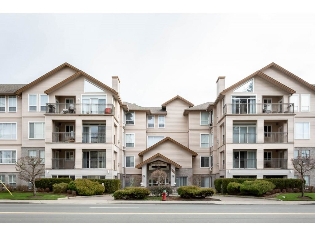 "Main Photo: 401 2772 CLEARBROOK Road in Abbotsford: Abbotsford West Condo for sale in ""BROOKHOLLOW"" : MLS®# R2336665"