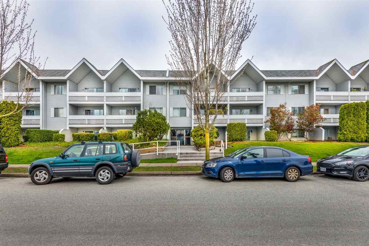"Main Photo: 312 2055 SUFFOLK Avenue in Port Coquitlam: Glenwood PQ Condo for sale in ""Suffolk Manor"" : MLS®# R2358691"