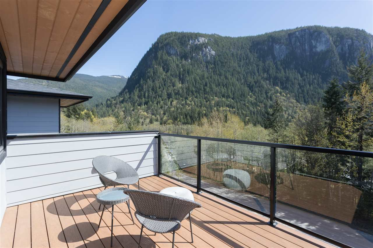 """Photo 20: Photos: 2252 WINDSAIL Place in Squamish: Plateau House for sale in """"Crumpit Woods"""" : MLS®# R2365036"""