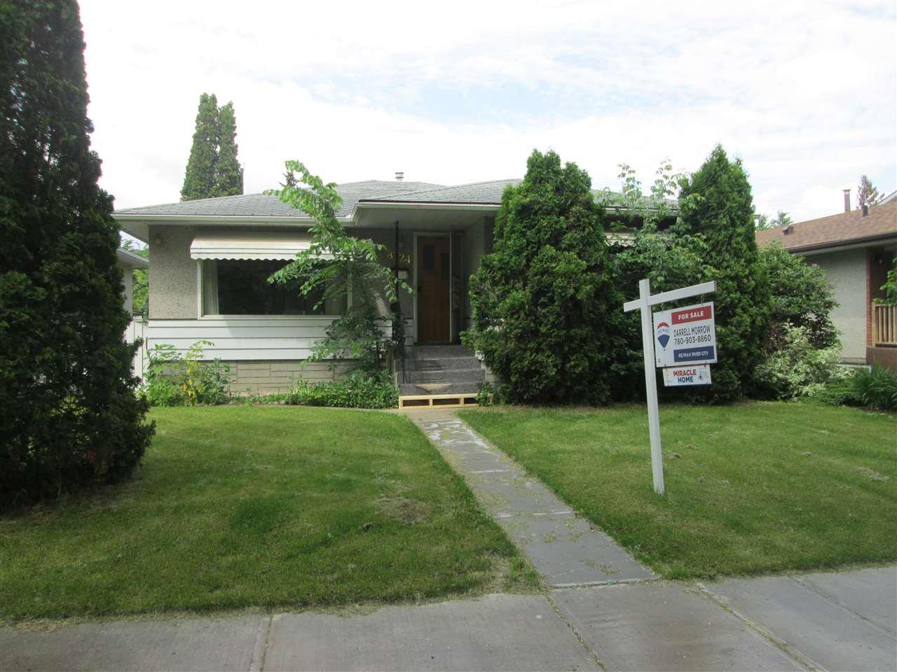 Main Photo: 8724 88 Avenue in Edmonton: Zone 18 House for sale : MLS®# E4163389