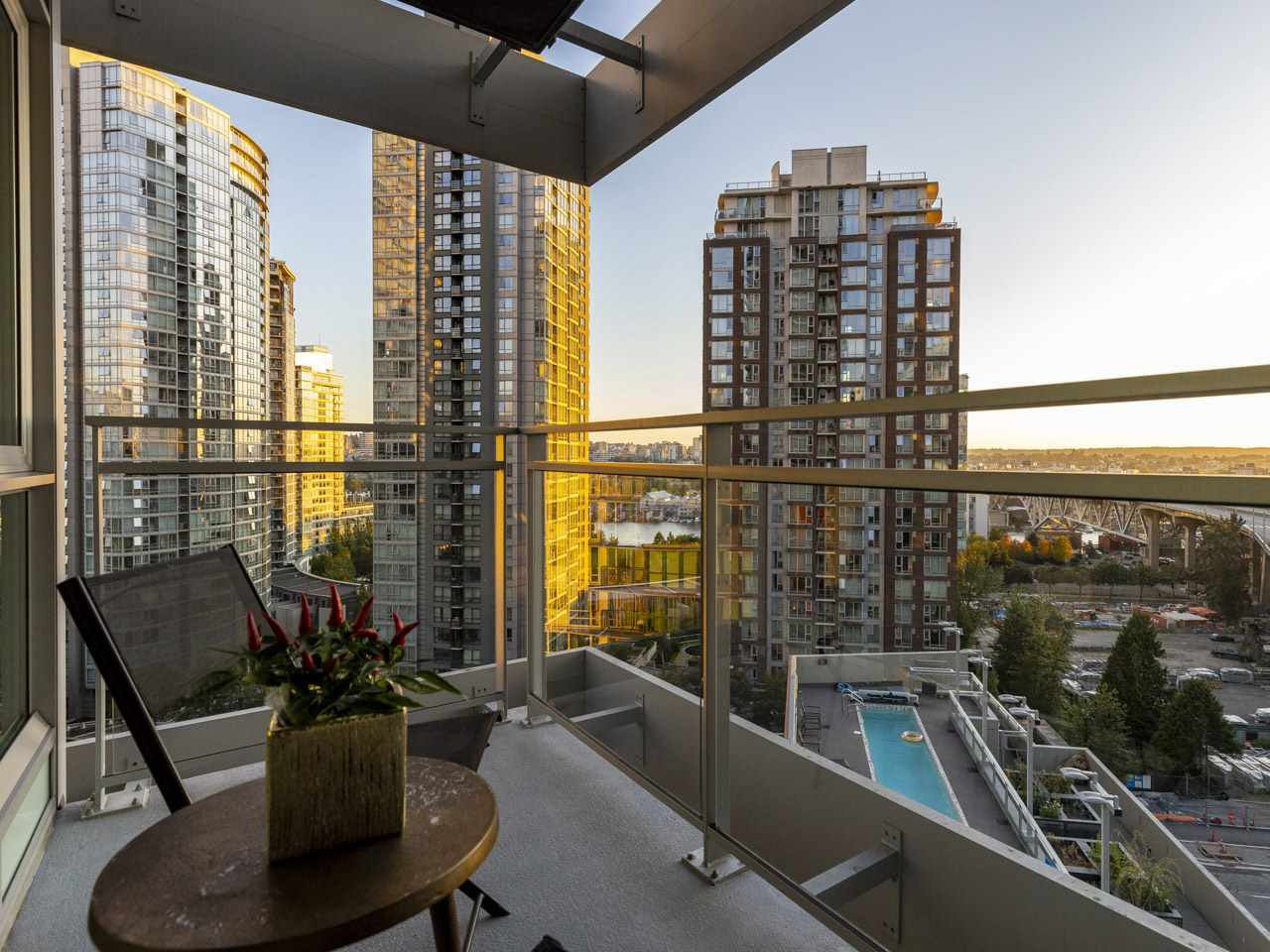 "Main Photo: 1507 1372 SEYMOUR Street in Vancouver: Downtown VW Condo for sale in ""The Mark"" (Vancouver West)  : MLS®# R2402457"