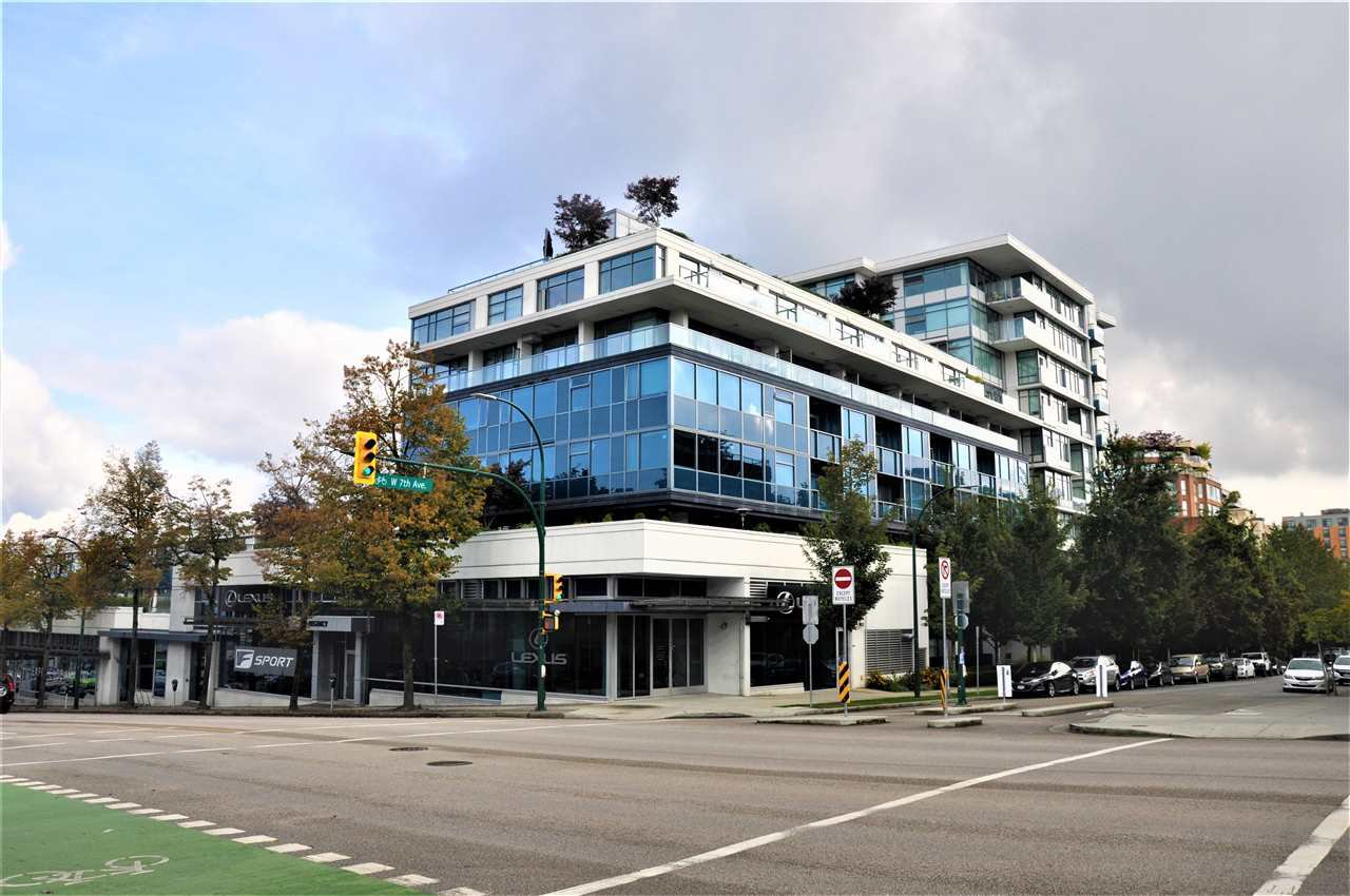 "Main Photo: 526 1777 W 7TH Avenue in Vancouver: Fairview VW Condo for sale in ""KITS360"" (Vancouver West)  : MLS®# R2407024"