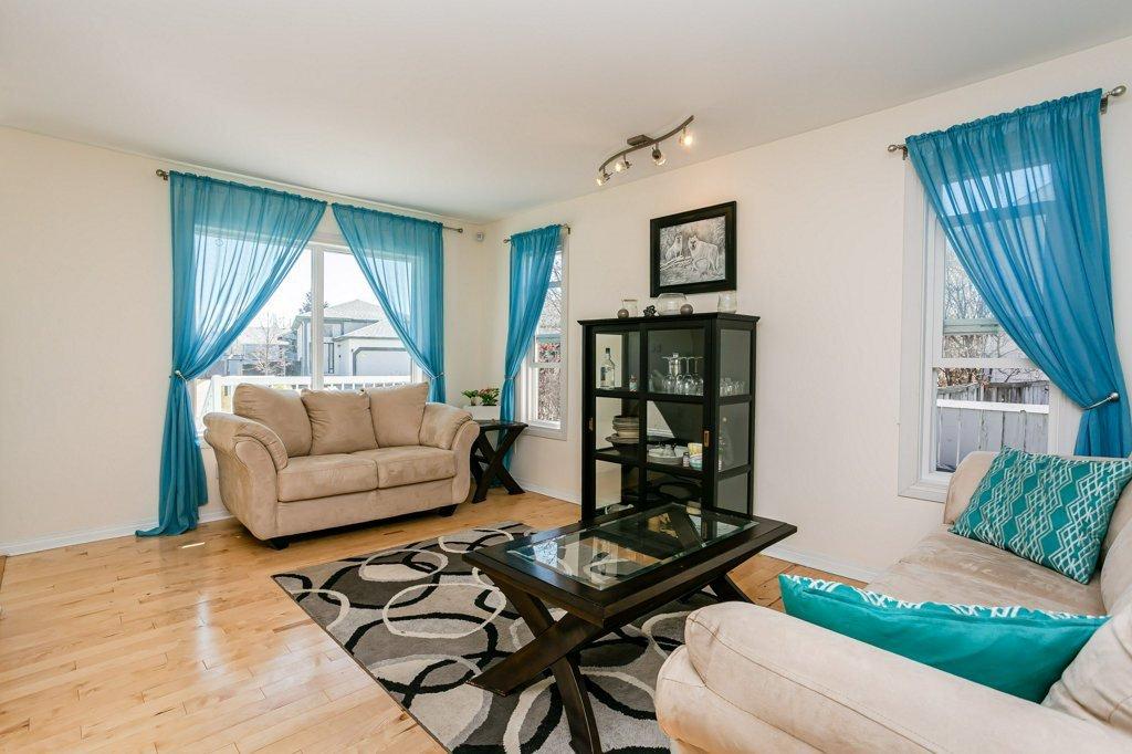 Main Photo: 36 ASPENGLEN Place: Spruce Grove House for sale : MLS®# E4196373