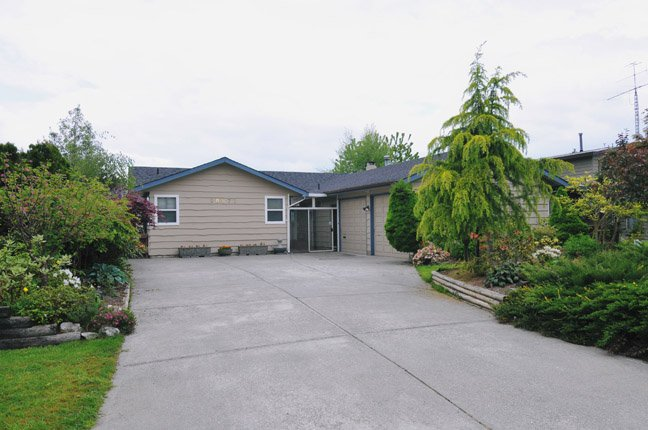 "Main Photo: 20875 125TH Avenue in Maple Ridge: Northwest Maple Ridge House for sale in ""CHILCOTIN"" : MLS®# V890482"
