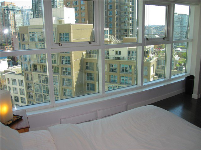 Main Photo: 1202 1331 Homer Street in Vancouver: Yaletown Condo for sale (Vancouver West)  : MLS®# V1032565