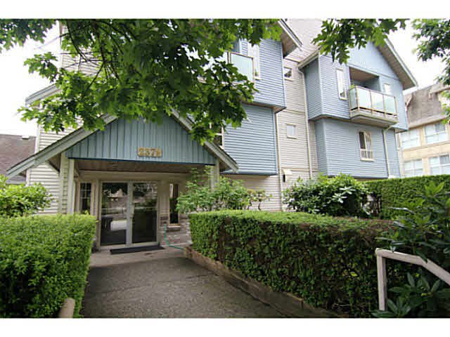 "Main Photo: 29 2378 RINDALL Avenue in Port Coquitlam: Central Pt Coquitlam Condo for sale in ""BRITTANY PARK"" : MLS®# V1095397"