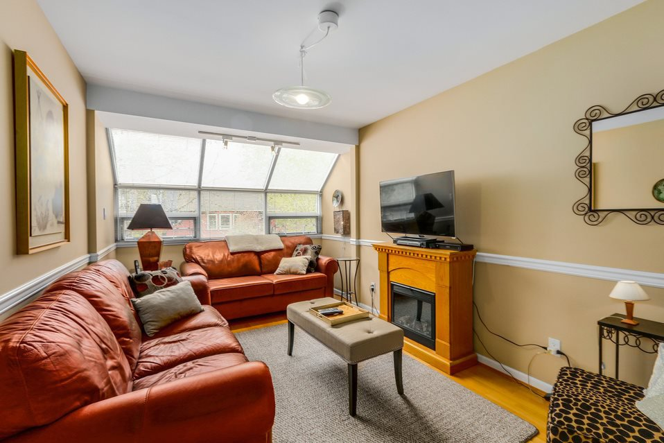 Photo 11: Photos: 2902 YEW Street in Vancouver: Kitsilano 1/2 Duplex for sale (Vancouver West)  : MLS®# R2058688