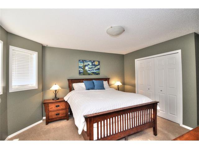 Photo 26: Photos: 710 EVERRIDGE Drive SW in Calgary: Evergreen House for sale : MLS®# C4065103