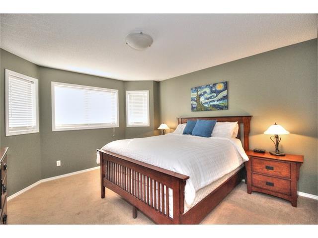 Photo 25: Photos: 710 EVERRIDGE Drive SW in Calgary: Evergreen House for sale : MLS®# C4065103