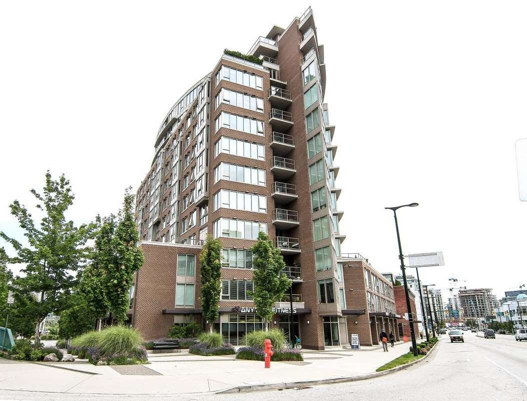 "Main Photo: 701 445 W 2ND Avenue in Vancouver: False Creek Condo for sale in ""MAYNARD'S BLOCK"" (Vancouver West)  : MLS®# R2084964"