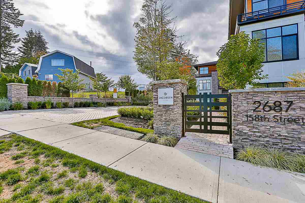 "Main Photo: 14 2687 158 Street in Surrey: Grandview Surrey Townhouse for sale in ""Jacobsen"" (South Surrey White Rock)  : MLS®# R2166202"