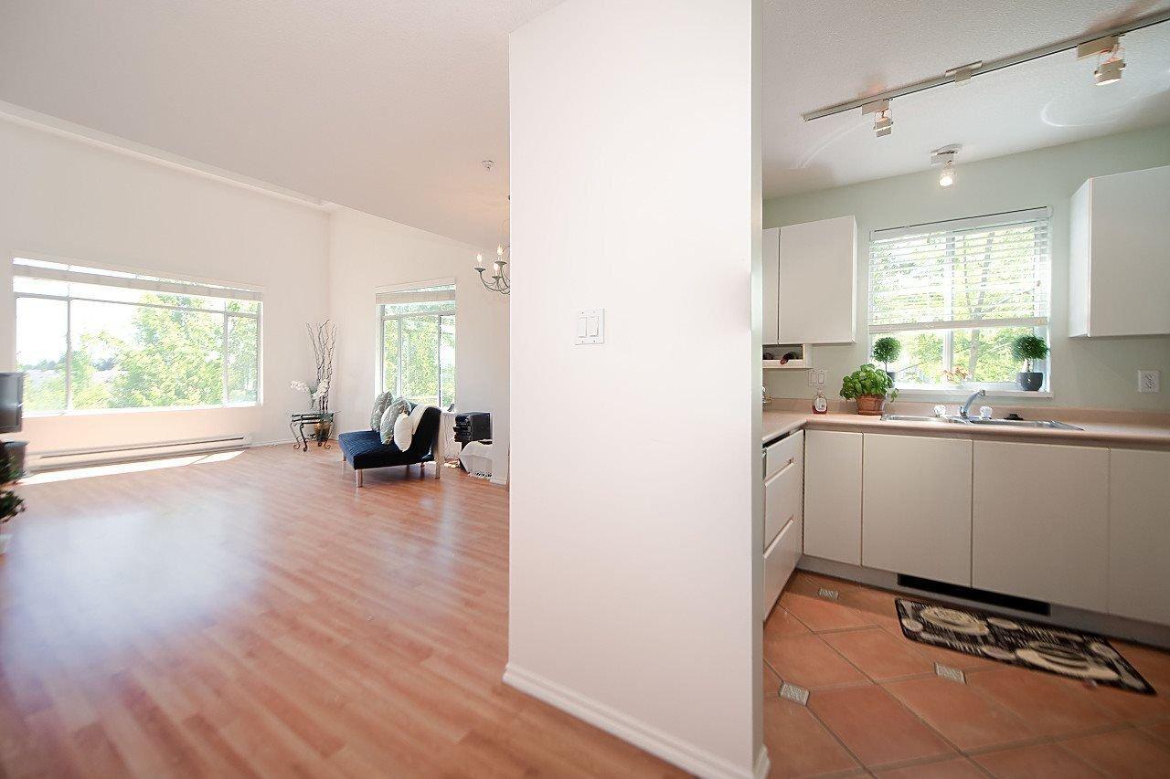 "Photo 9: Photos: 319 8200 JONES Road in Richmond: Brighouse South Condo for sale in ""Laguna"" : MLS®# R2174352"