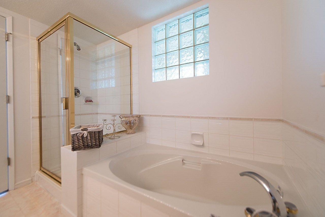 "Photo 13: Photos: 319 8200 JONES Road in Richmond: Brighouse South Condo for sale in ""Laguna"" : MLS®# R2174352"